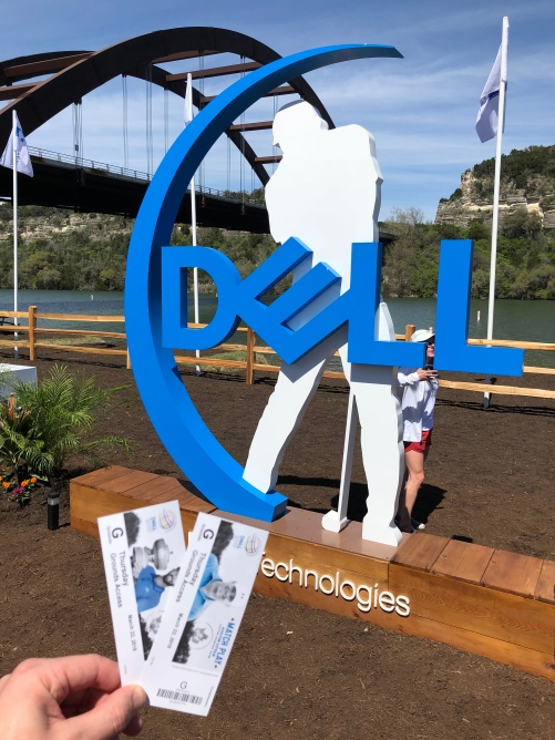 DELL sign